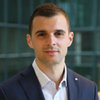 Three must-do actions for banks to achieve relevance in the data economy, Innopay's Mounaim Cortet...