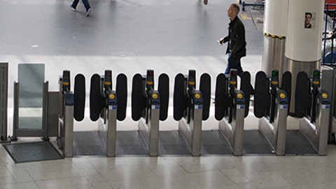 Mobile payments taking off for contactless commuting