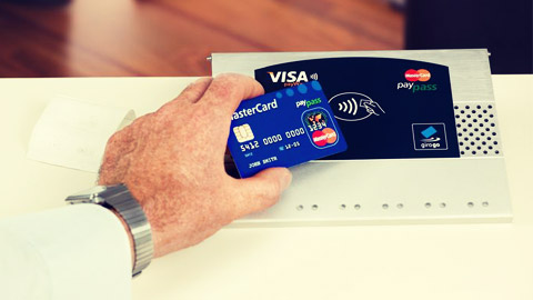Brits find contactless payments 'scary'