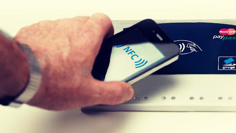BlackBerry inks NFC m-payments deal with Canada's EnStream