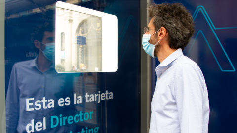 BBVA demonstrates safety of new blank payment cards in public display