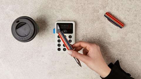 Фон Моос создает продукт с оплатой ручкой