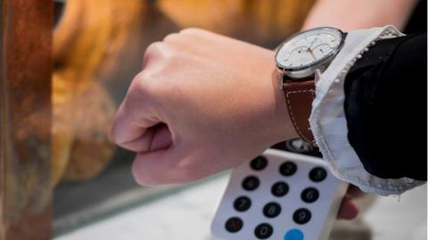 Nordea and Swedbank say the time is right for watch wearables