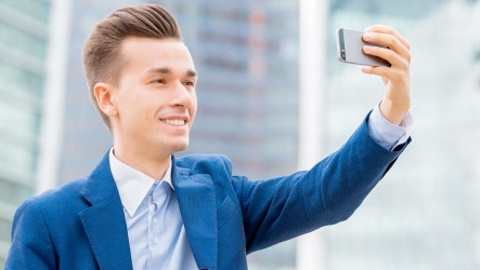 ABN Amro invites customers to sign up with a selfie