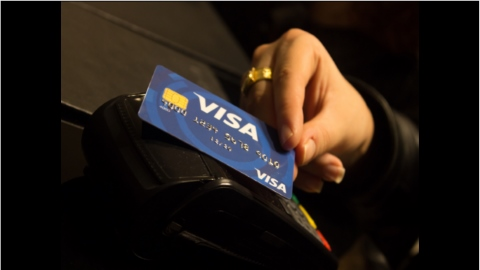 Walmart Canada ends ban on Visa credit cards